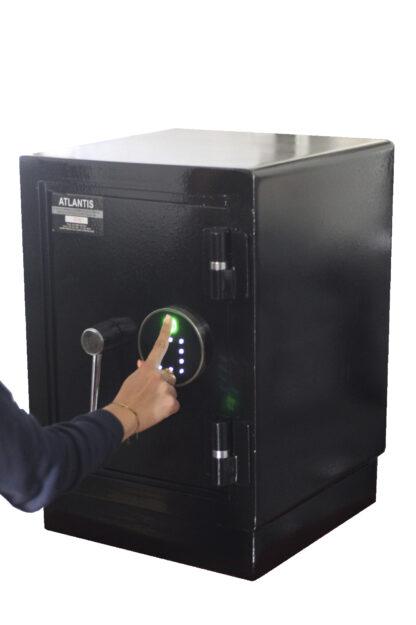 2 Mesa De Trabajo 1 Seguridad Atlantis Sas Caja Fuerte Seguridad Biométrica Apertura Huella Dactilar